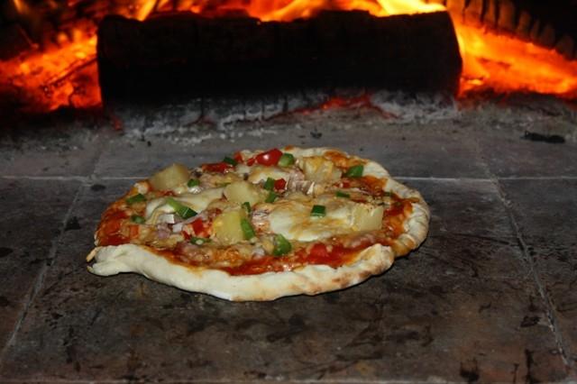 Houtoven, Pizza oven 100 cm met schoorsteen