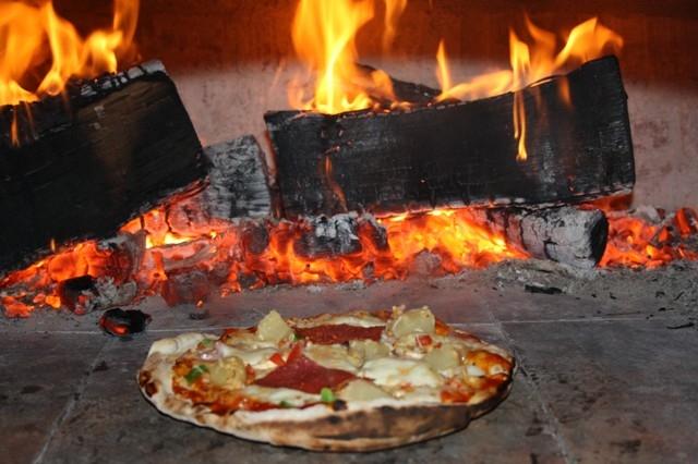 Houtoven, Pizza oven 70 cm met schoorsteen