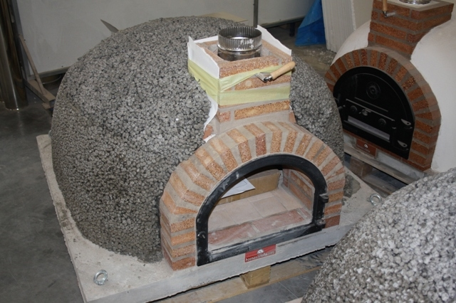 Pizzaoven Traditional brick 120/80cm leverbaar in 3 kleuren