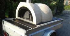 Pizzaoven voor verhuur op aanhangwagen
